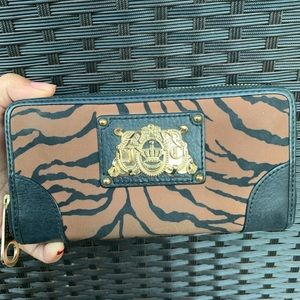 Juicy Couture zip around wallet